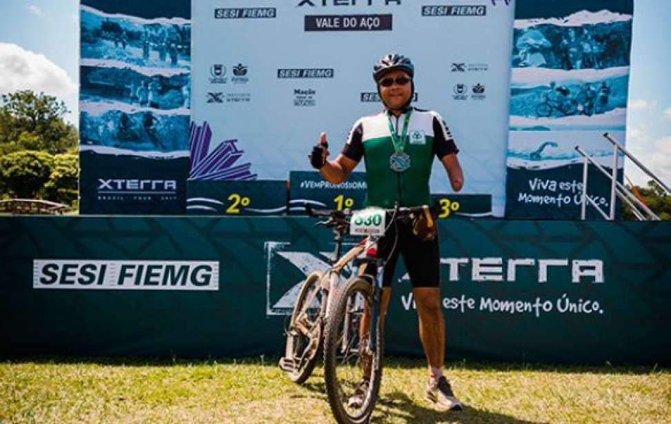 Bikers Rio pardo | Sua História | Ciclista com parte amputada do braço desafia limites no mountain bike