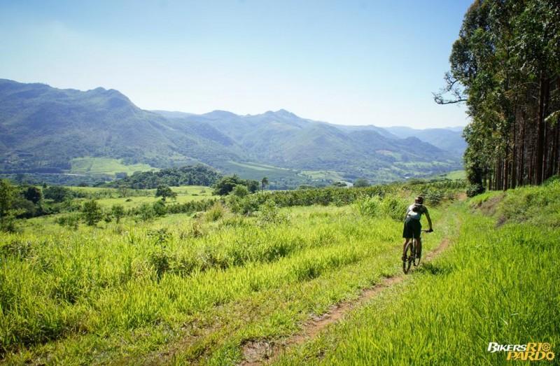 Bikers Rio pardo | Roteiro | Imagens | Águas da Prata - Trilha Ecológica do Bosque e Caminho da Fé