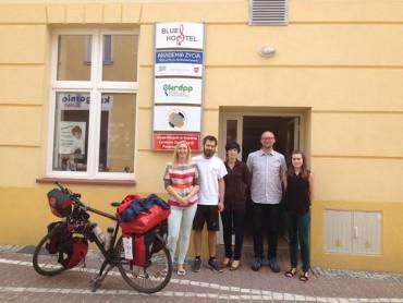 Bikers Rio Pardo | NOTÍCIAS | Ciclista pedala 5 mil km comendo alimentos do lixo para protestar contra o desperdício