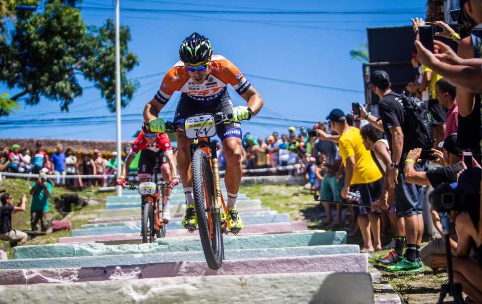 Bikers Rio Pardo | NOTÍCIAS | Holandês Hans Becking e dinamarquês Sebastian Fini largam na frente na Brasil Ride 2017