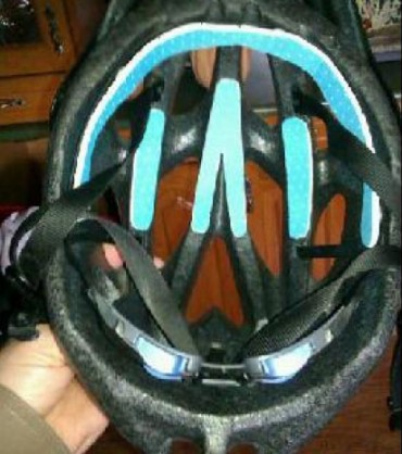 Bikers Rio pardo   Dica   O acolchoamento do seu capacete está gasto? Veja como reformá-lo