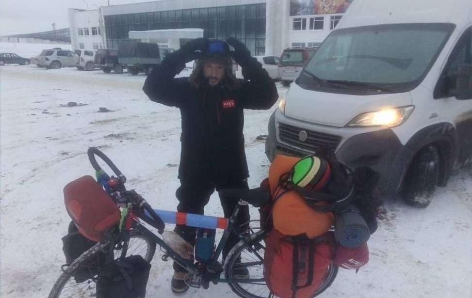 Bikers Rio Pardo | Notícia | Ciclista espanhol que tentava percorrer a Sibéria a -50ºC é encontrado por russos