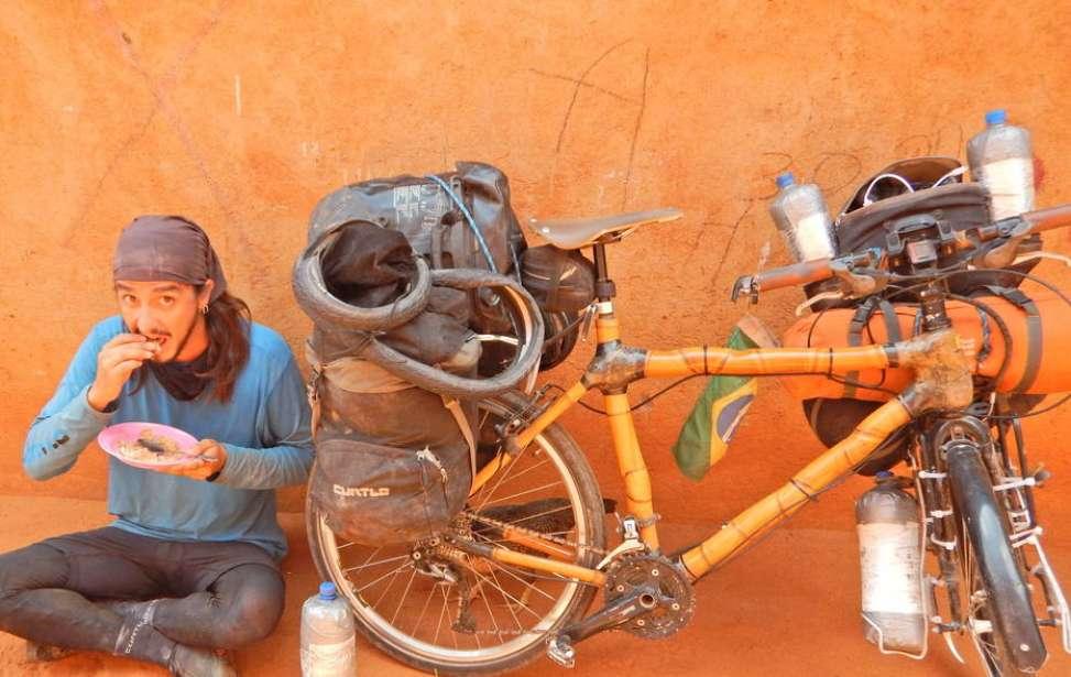 Bikers Rio Pardo | SUA HISTÓRIA | Brasileiro roda o mundo em uma bicicleta de bambu