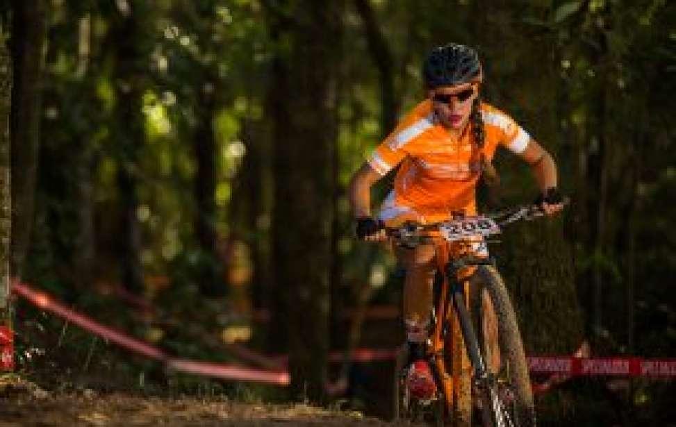 Bikers Rio pardo | Notícia | 2 | Henrique Avancini e Letícia Cândido levam a melhor no XCO da 2º etapa da CIMTB Levorin