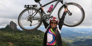 Bikers Rio Pardo | SUA HISTÓRIA | Aos 58 anos, ciclista viaja sozinha e descobre o mundo de bike