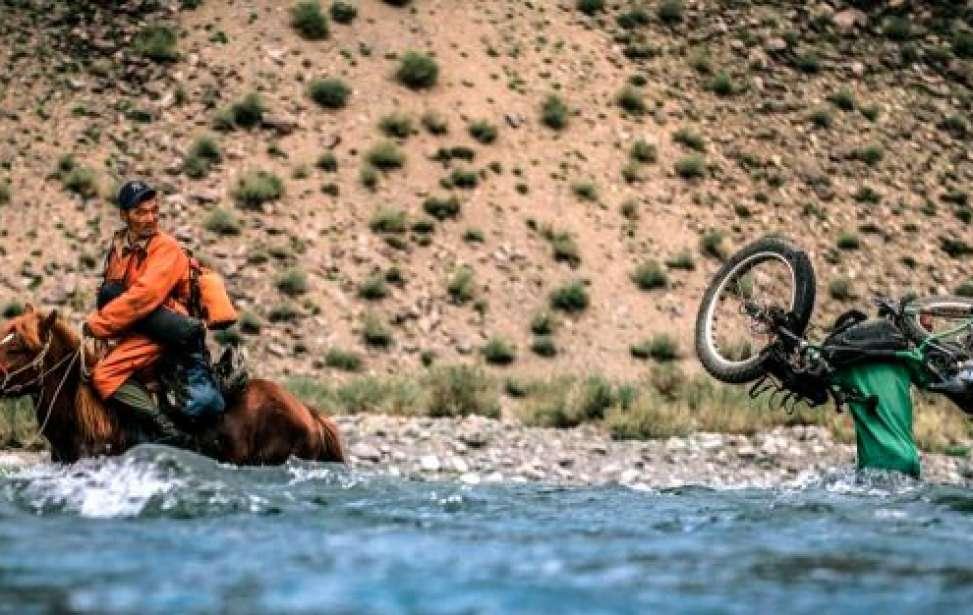 Bikers Rio Pardo | SUA HISTÓRIA | Das temperaturas extremas à solidão. Ben Page atravessou o Ártico de bicicleta e gravou a viagem
