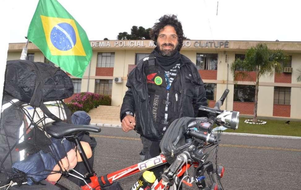 Bikers Rio pardo | SUA HISTÓRIA | Ciclista que vive sobre duas rodas há mais de uma década passa por Curitiba antes de seguir ao Machu Picchu