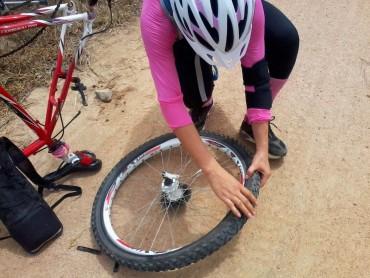 Bikers Rio pardo | Dica | Furou pneu e não tem câmara de ar? Três formas de ir para casa mesmo sem câmara de ar reserva